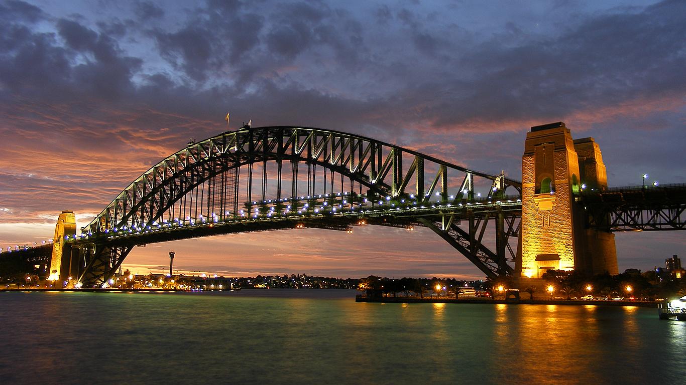 Подсветка моста Харбор