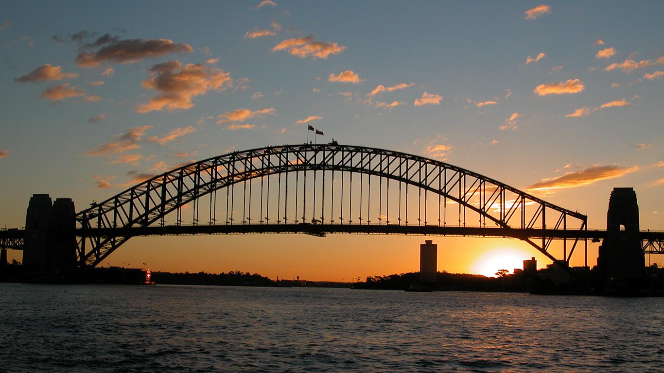 Мост Харбор на закате