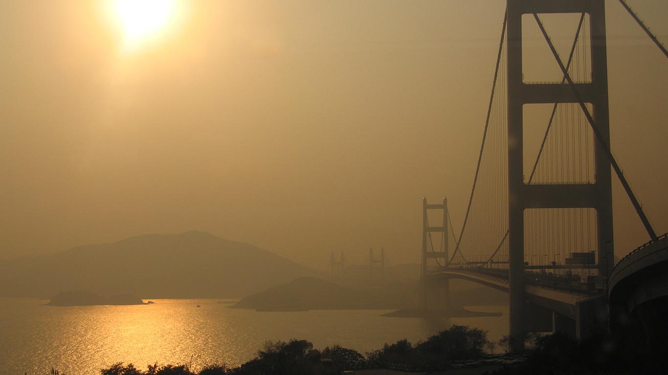 Мост Цинма в дымке