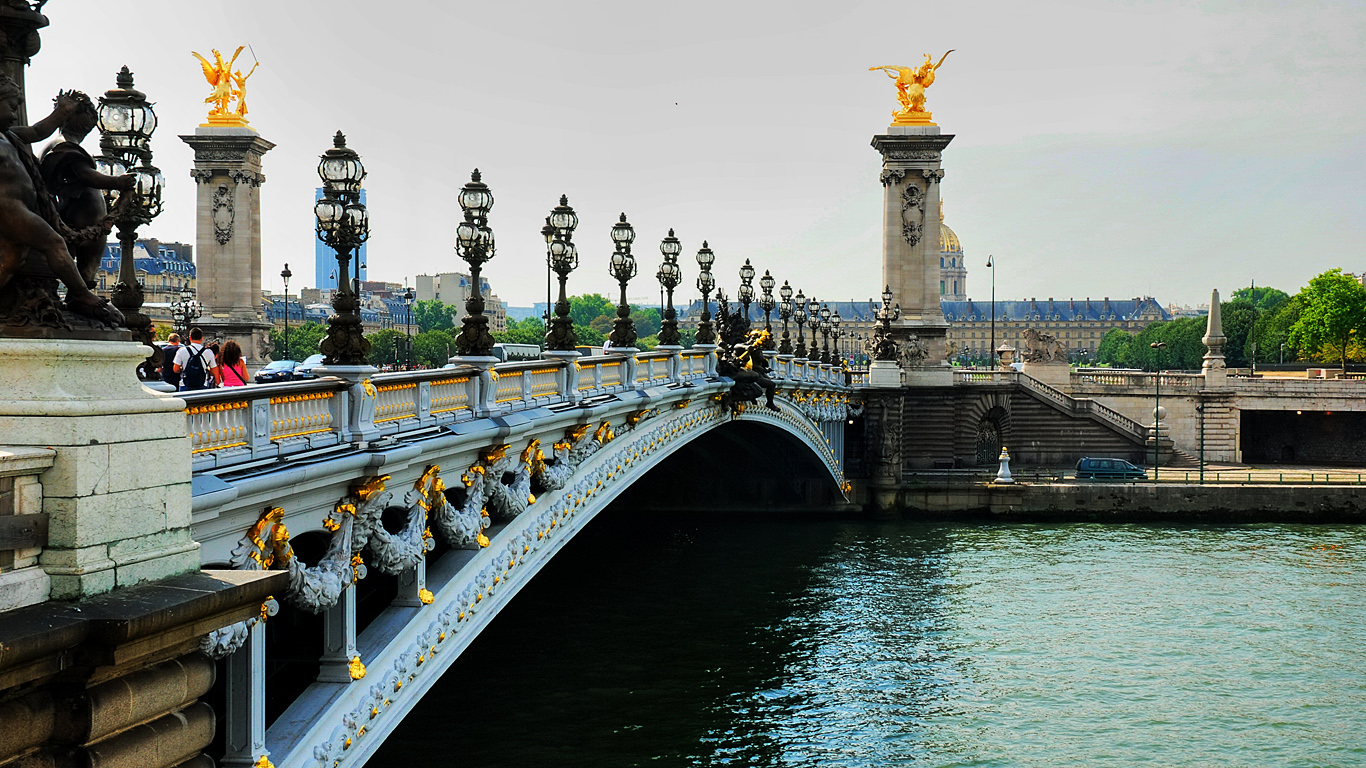 Мост Александра III днем
