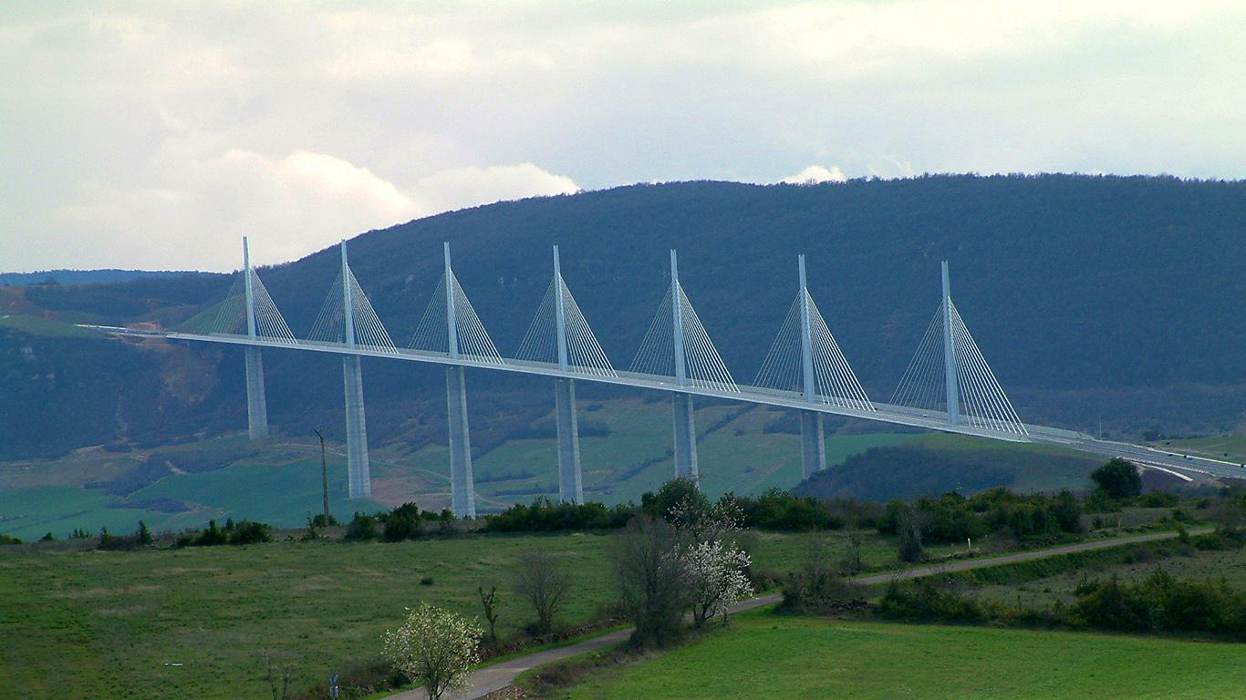 Пейзаж.Мост Милло