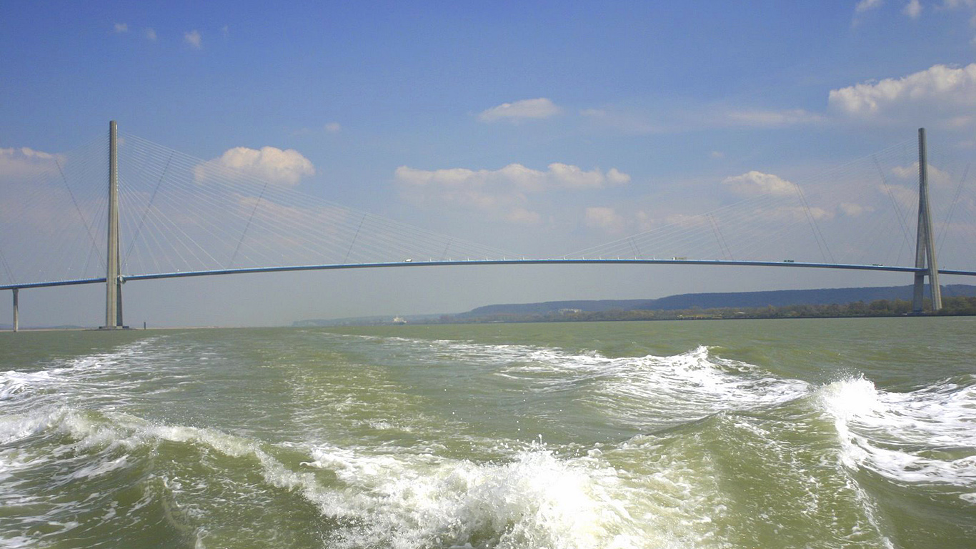 Вид с воды.Мост Нормандия