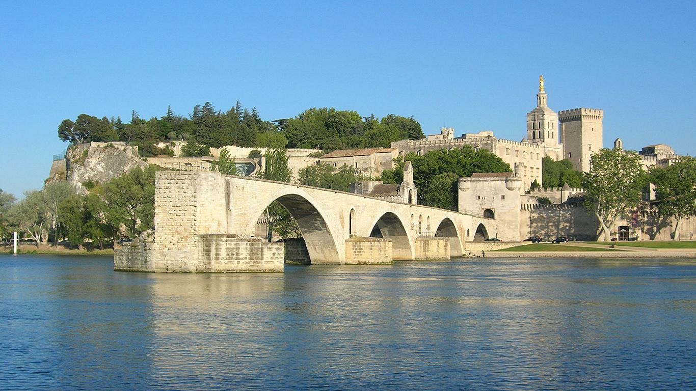 Мост Сен-Бенезе днем