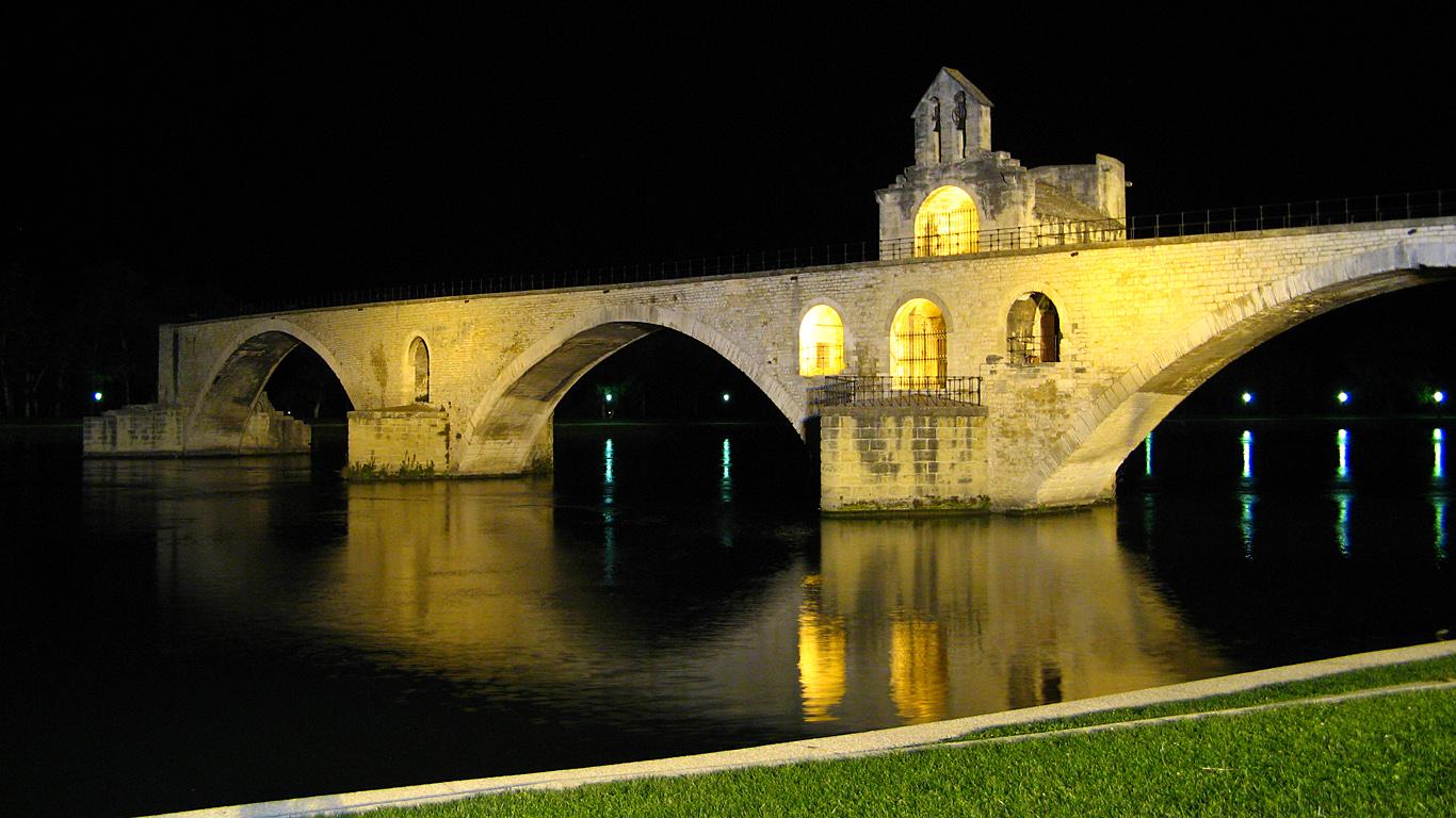 Подсветка.Мост Сен-Бенезе