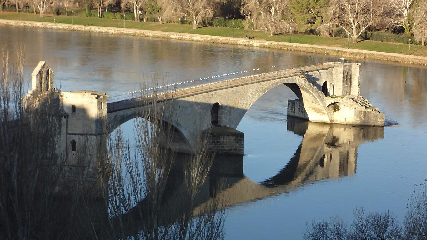 Мост Сен-Бенезе сверху