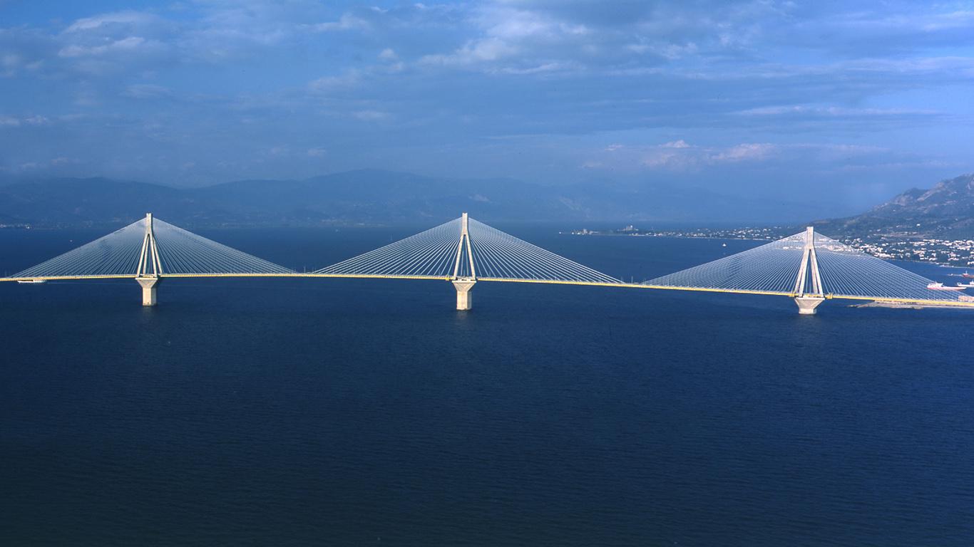 Мост Рио-Антирио сверху
