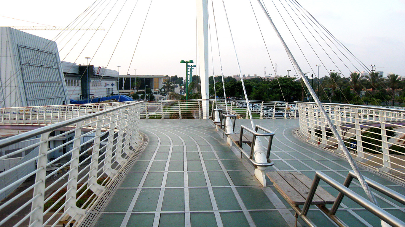 Лавочки.Мост Калатравы