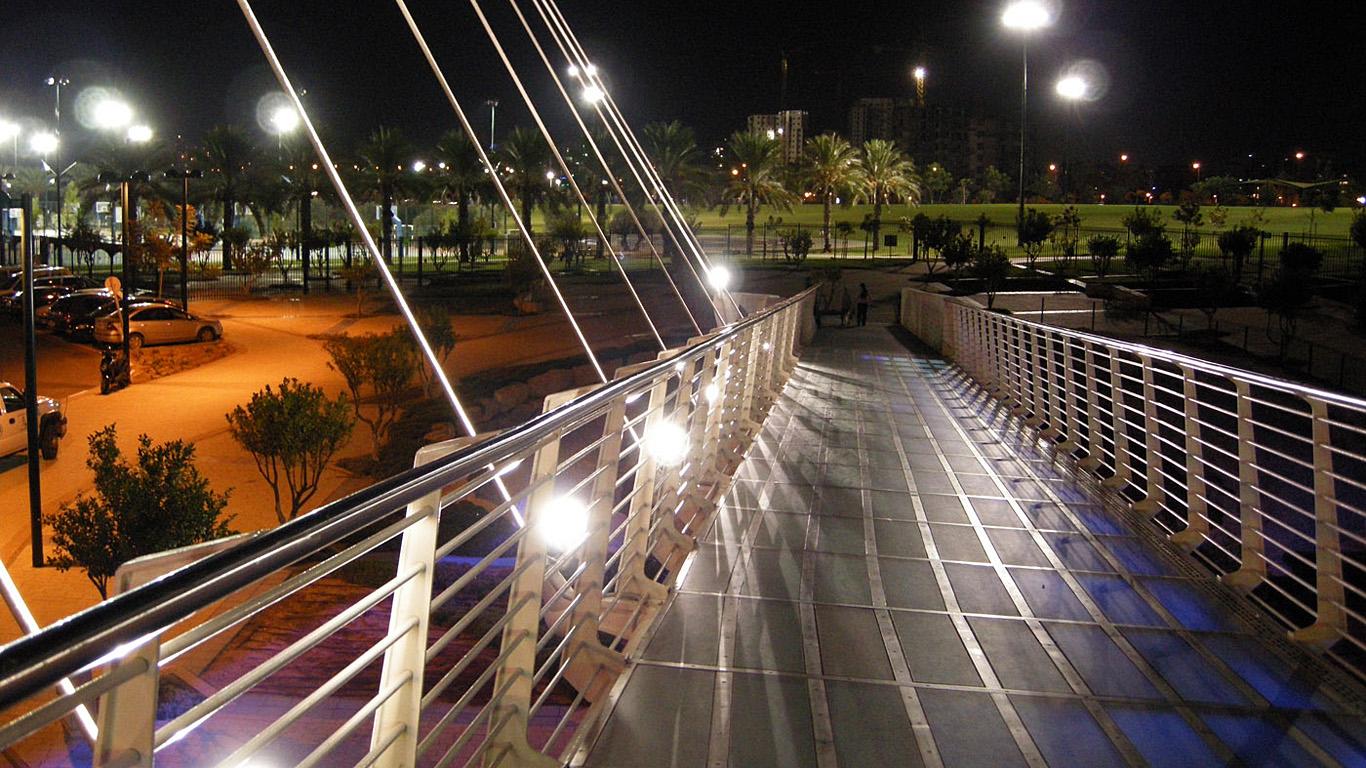 Мост Калатравы ночью