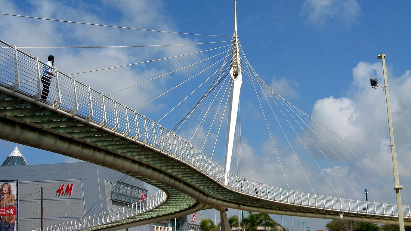 Мост Калатравы снизу