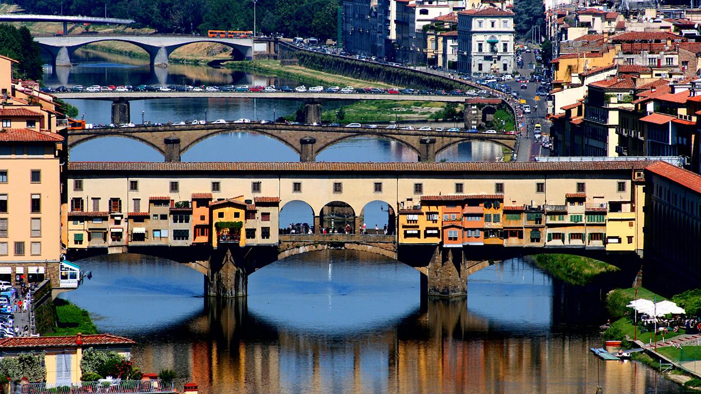 Мост Понте Веккьо с высоты