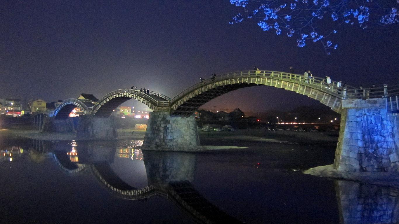 Ночная подсветка моста