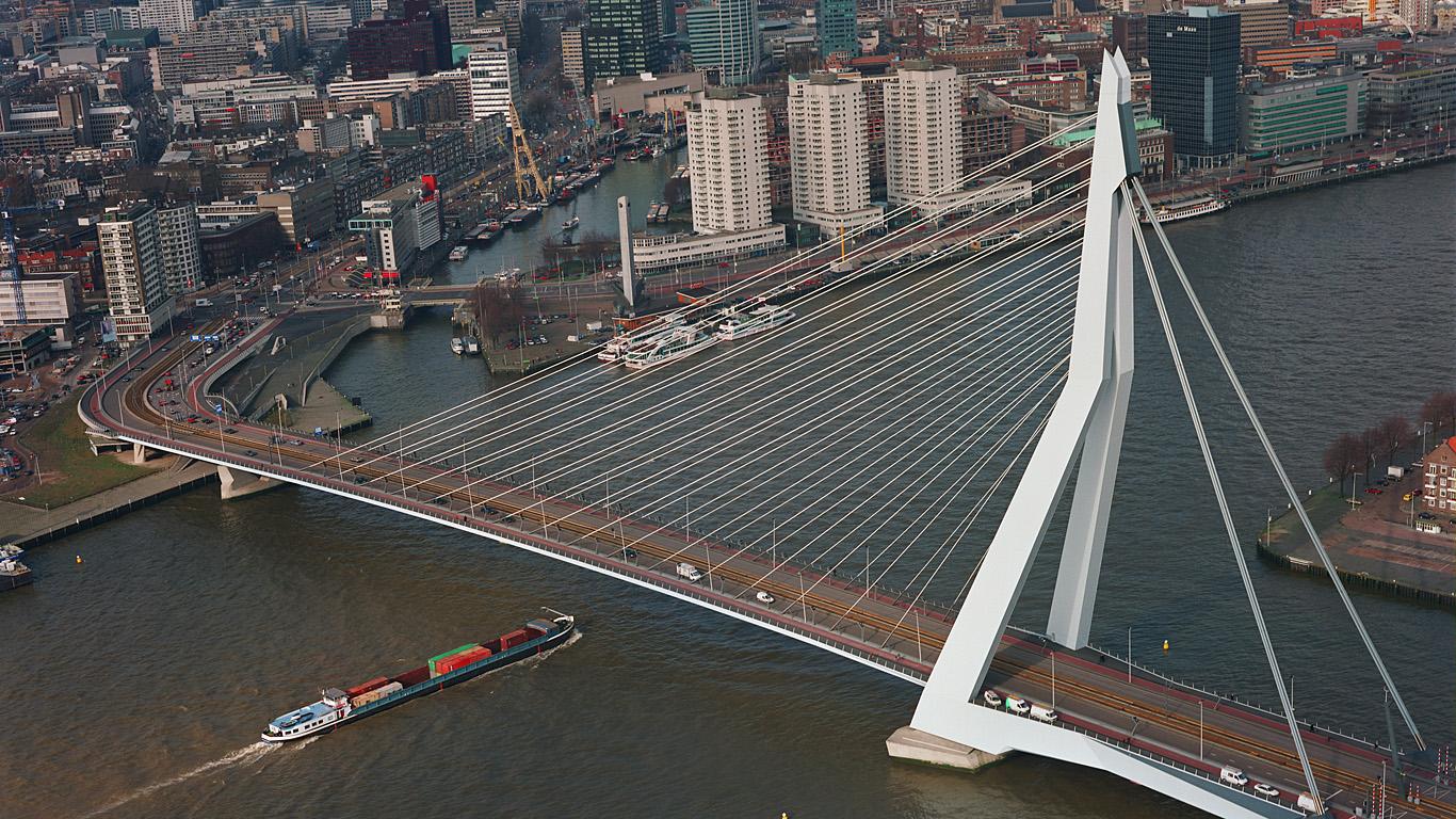 Мост Эразма сверху