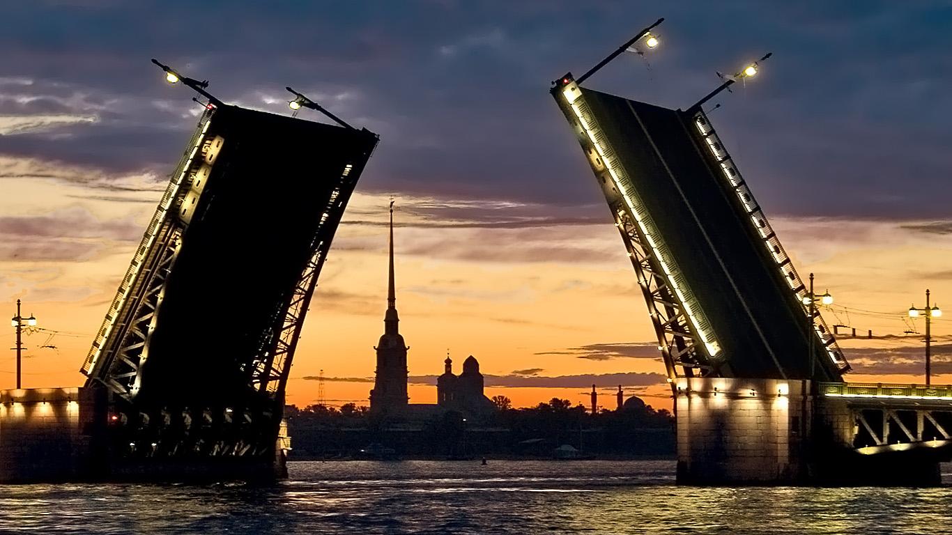 Закат.Дворцовый мост