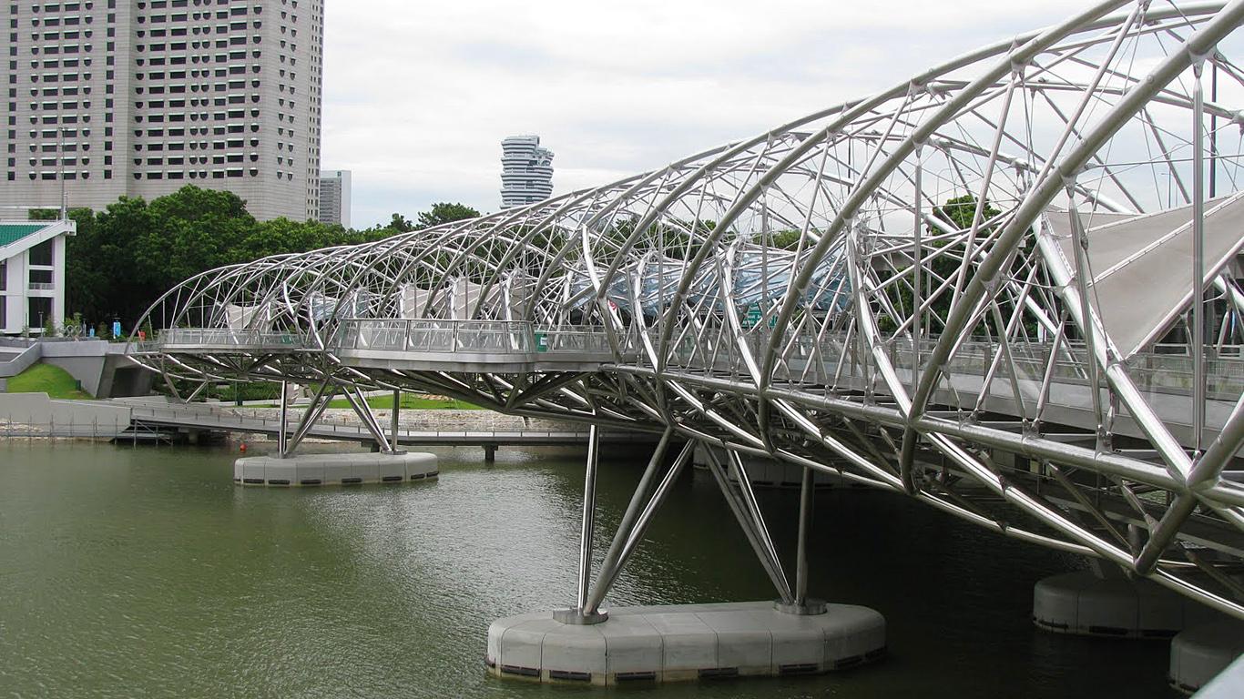 ДНК-мост днем