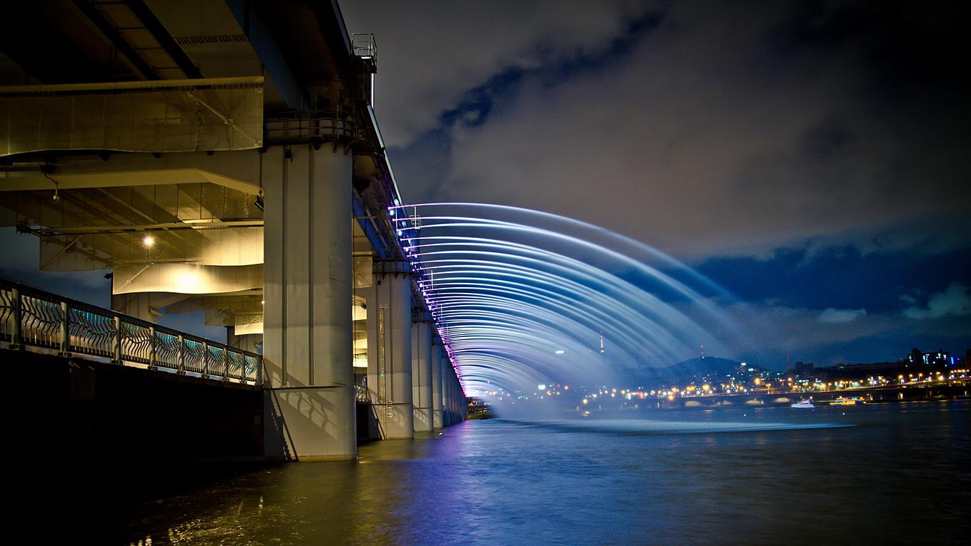 Струи моста Банпо