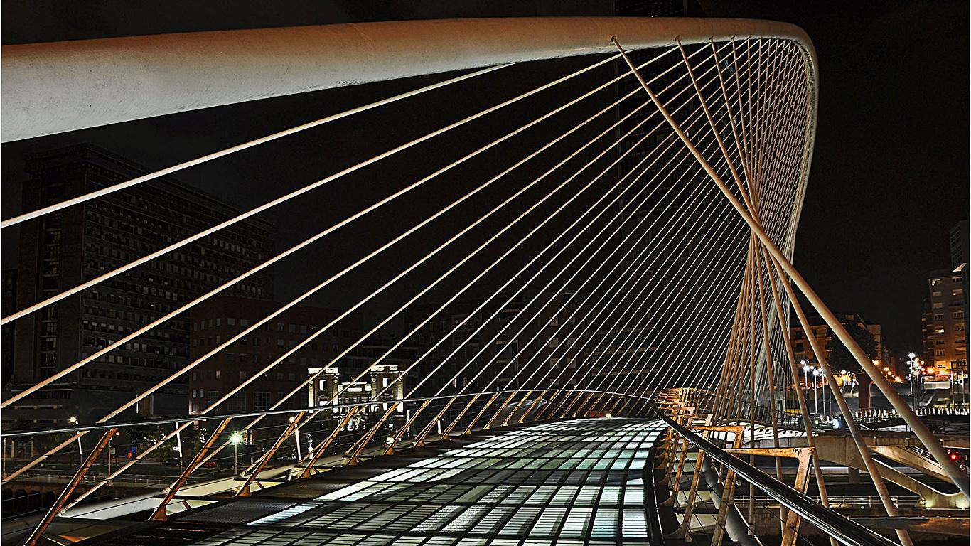На мосту Субисури