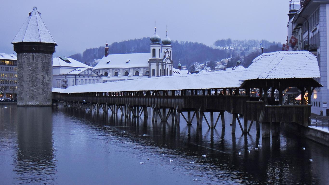 Мост Капелльбрюкке зимой