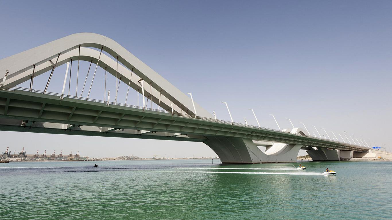 Мост Шейха Заеда днем