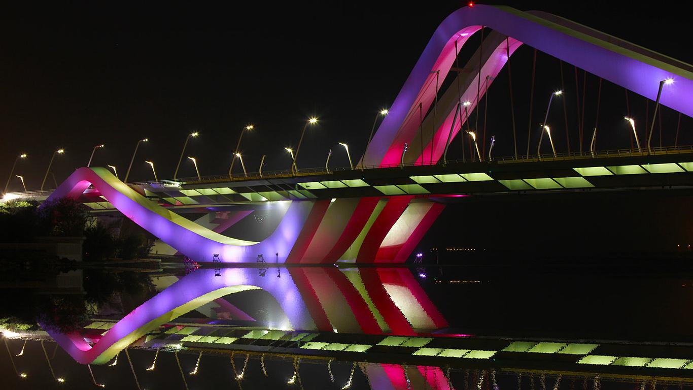 Подсветка моста Шейха Заеда