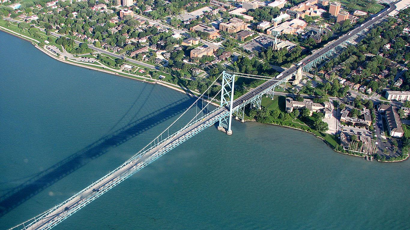 Мост Амбассадор сверху