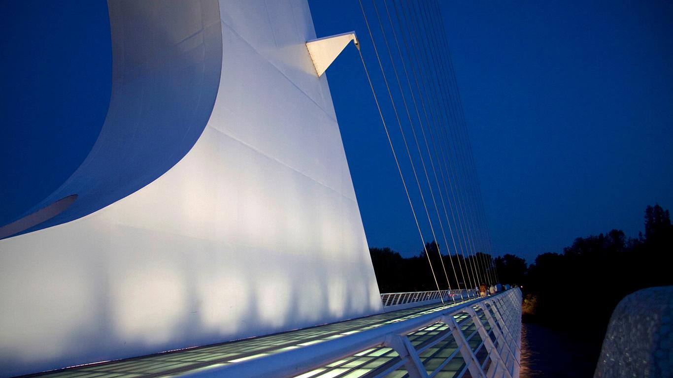 Мост Сандиал ночью